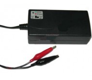 BAT1128 akumuliatoriaus įkroviklis 12V( 7-14Ah)